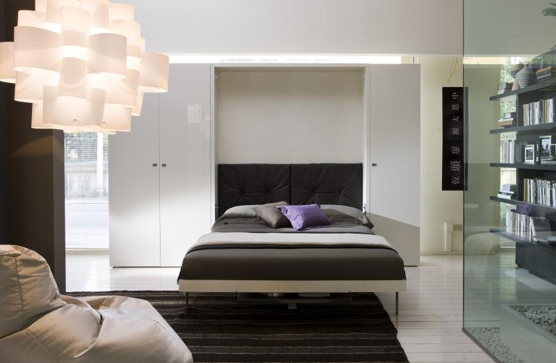 Кровать в стене фото